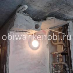 Снос бетонной перегородки, демонтаж сантехкабины